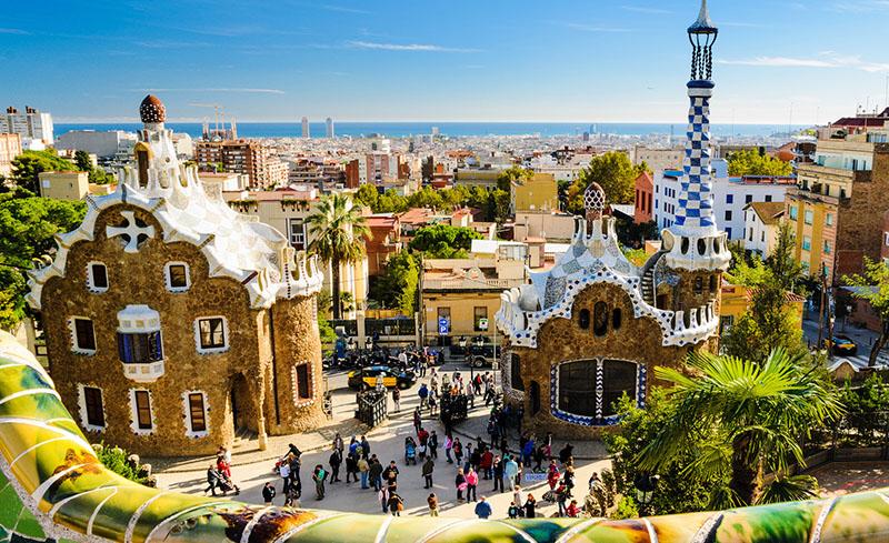 El parque Güell diseñado por Gaudí, Barcelona